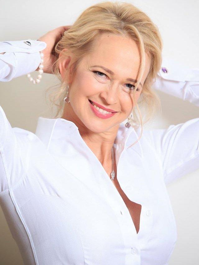 white shirt for women
