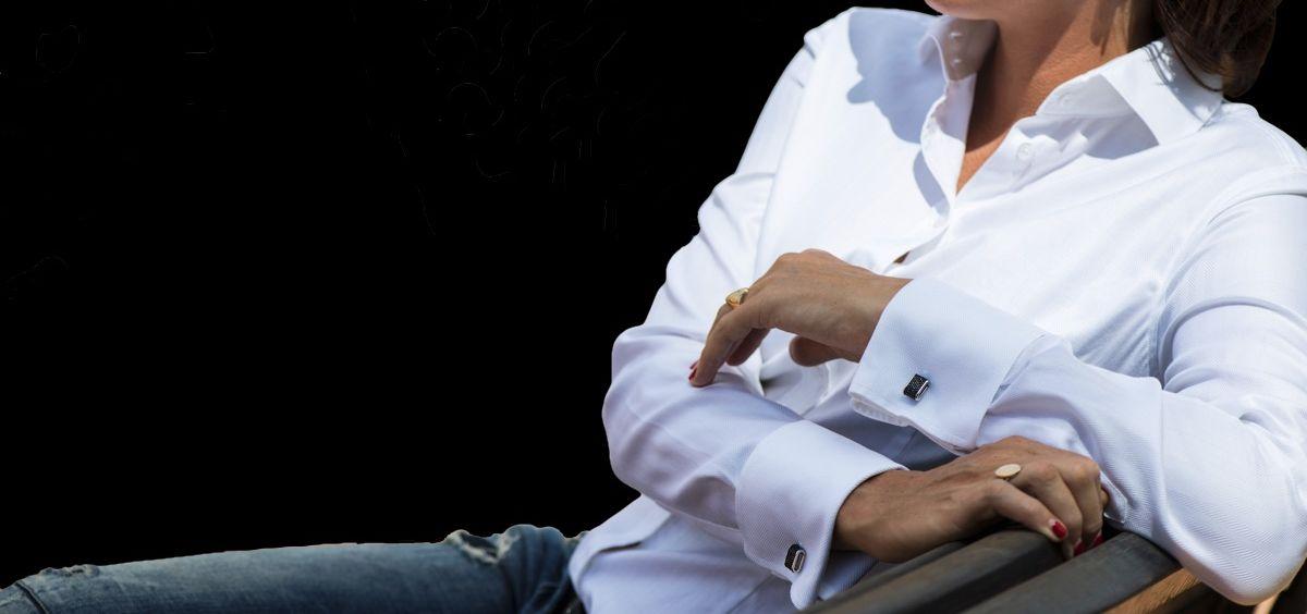 wearing double cuff shirt
