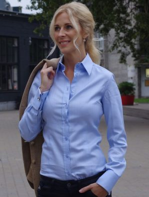 MUNICH light blue dress shirt (last sizes: 32, 44)
